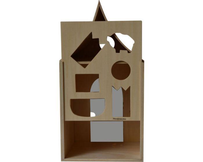 Man kan tage den bagerste del af og åbne døren. Der er i alt 6 figurer.